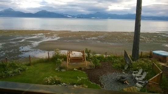 Homer Inn & Spa: At low tide from High Tide Room