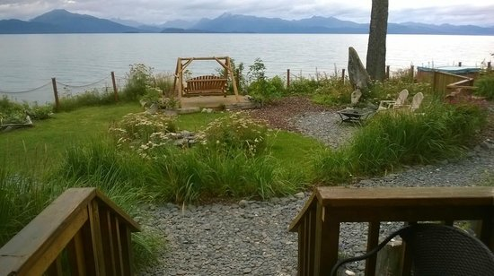 Homer Inn & Spa: At high tide from ground level