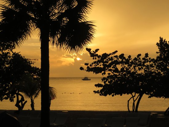 Couples Negril: Beautiful sunsets!