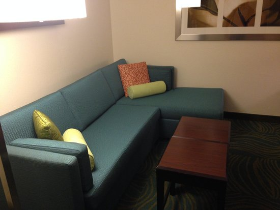 Fairfield Inn & Suites Sacramento Airport Natomas: Sofa and lounge