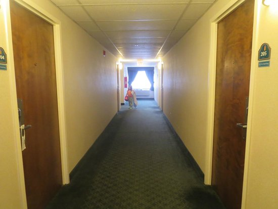 couloir picture of la quinta inn by wyndham binghamton johnson rh tripadvisor co uk