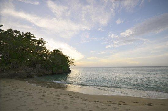 Jamaica Inn: Beach at sunset