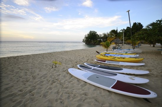 Jamaica Inn: Beach, available equipment for hotel guests