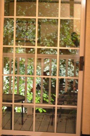 Cherry Valley Lodge: Door to the Balcony