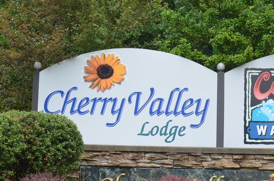 Cherry Valley Lodge: Sign