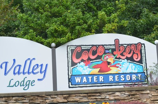 Cherry Valley Lodge: Waterpark Sign