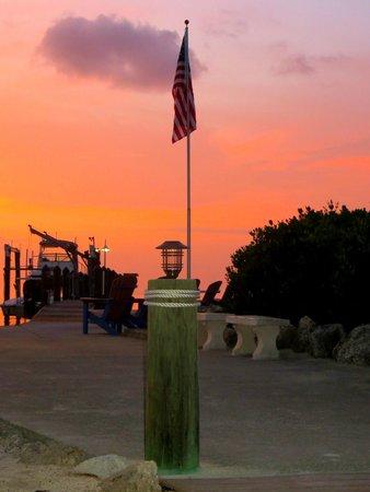 Island Bay Resort : sunset views