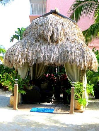 Island Bay Resort: tiki hut