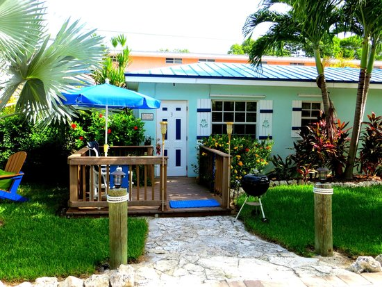 Island Bay Resort : Cottage 3: so quaint inside and out!