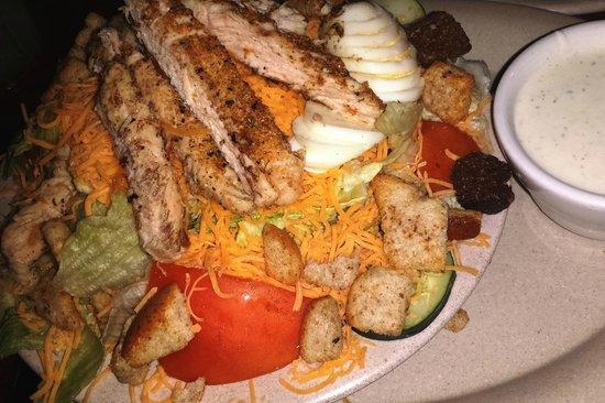 Dogpatch Restaurant: Mediterranean Salad