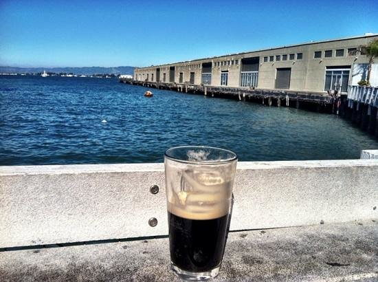 Pier 23 Cafe : Guiness on tap and view from the beer garden