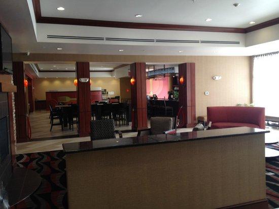 Holiday Inn Hotel & Suites Lima East: Lobby