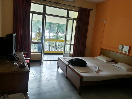 Colva Residency: beach facing rooms
