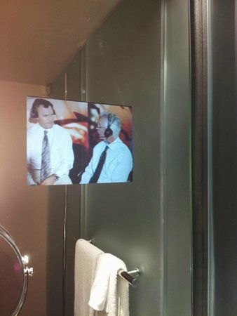 MGM Grand Hotel and Casino: Standard def TV in bathroom mirror