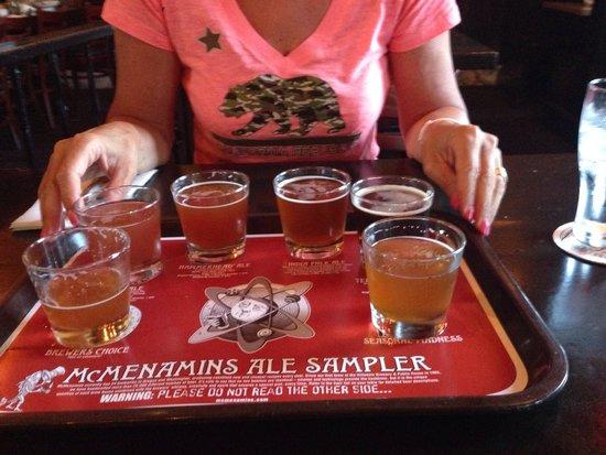 McMenamins Roseburg Station Pub & Brewery: Sample di 6 birre di produzione propria
