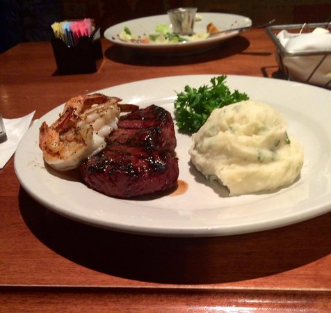 Arizona's At Stonecrest: Sirloin, grilled shrimp & garlic mash... EXCELLENCE at its best!