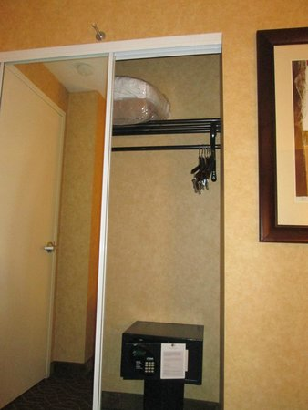 Doubletree Suites by Hilton Hotel Anaheim Resort - Convention  Center : ropero
