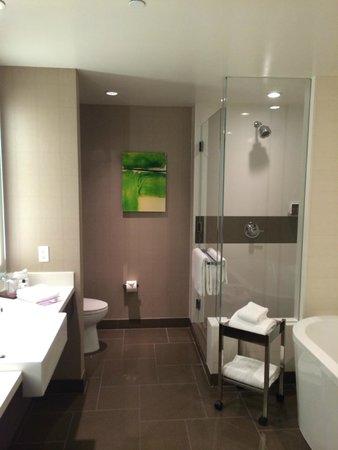 Vdara Hotel & Spa : Shower