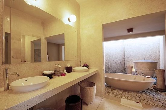 kaMAYA Resort and Villas : Bathroom