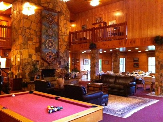 Blue Waters Mountain Lodge Grand Room