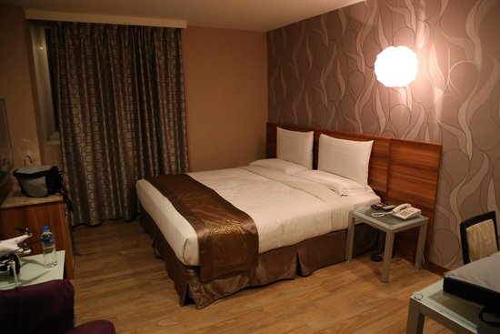 T Hotel Kaohsiung: my basic room still not bad
