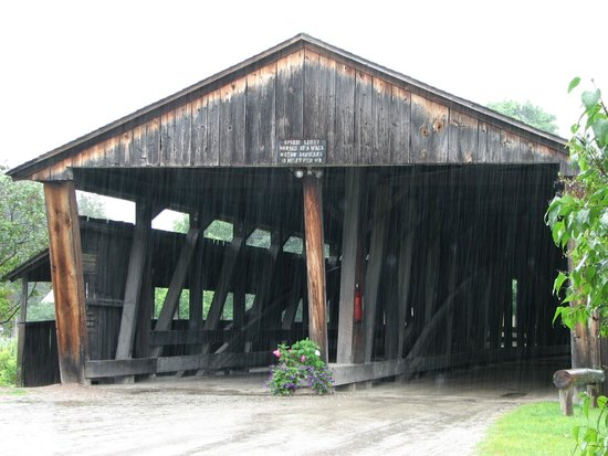 Shelburne Museum: The only two way bridge in VT