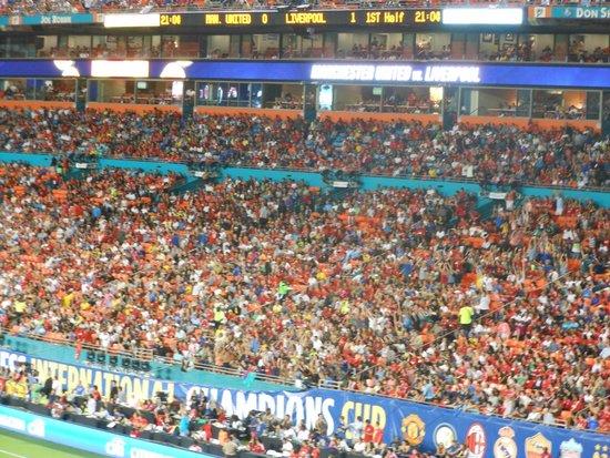 Sun Life Stadium: Mexican Wave