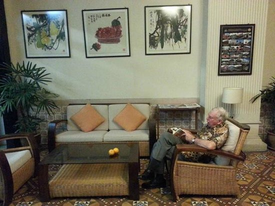 Hotel Puri: Lobby