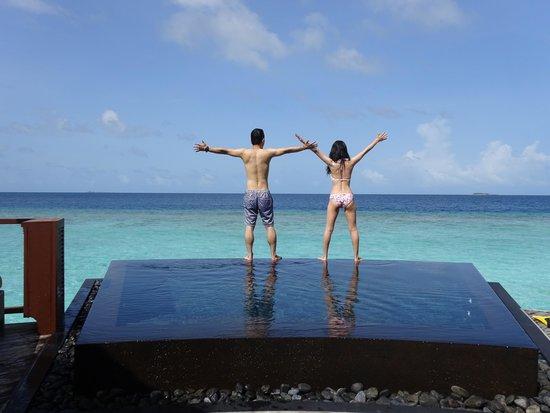 Constance Halaveli : プライベートプールはとっても開放的❤