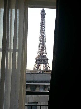 Hotel Eiffel Trocadero: вид из окна