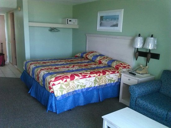 Holiday Sands North: My room! Very clean and neat!!! From my vacation back in May 28,2014