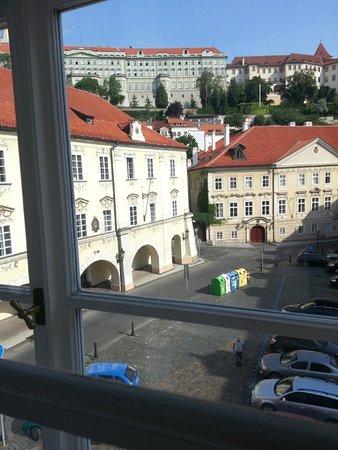 Hotel Three Storks : из окна
