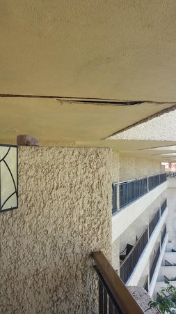 CasaMagna Marriott Puerto Vallarta Resort & Spa : More deferred maintenance
