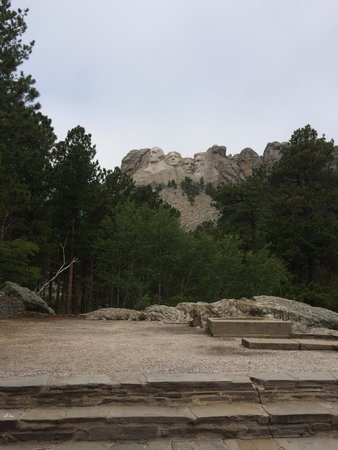 Mount Rushmore National Memorial: Another view from trail
