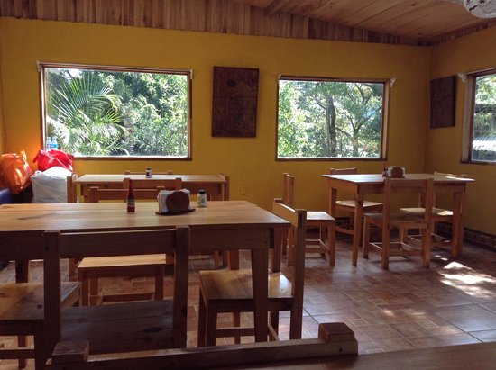 Casa Tranquilo Hostel: breakfast area