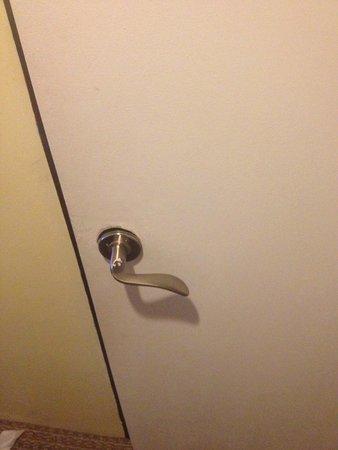 Regent Star Hotel : bathroom door