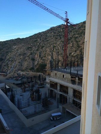 Grand Solmar Land's End Resort & Spa: Construction