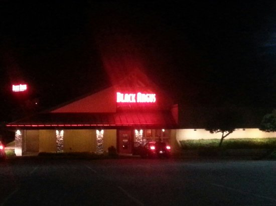 About Black Angus Steakhouse, Lakewood. Here at Black Angus Steakhouse, our cuts are aged at least 21 days, seasoned to excellence, expertly flame-grilled and served up just the way you like it.3/
