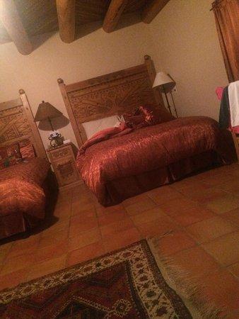 Casa Benavides Historic Inn: Terracotta Room