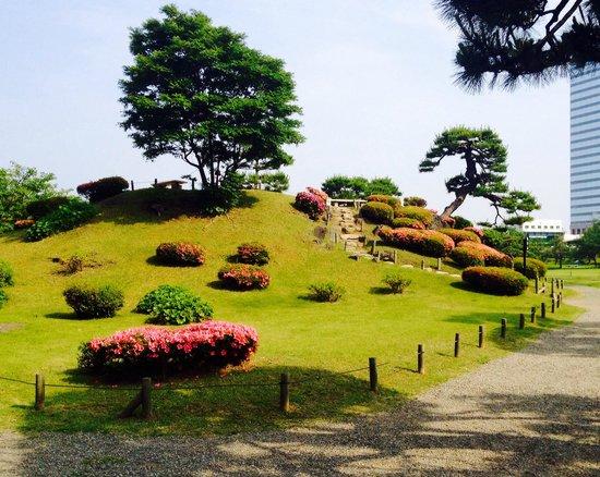 大手門の外から見た浜離宮恩賜庭園 - Picture of Hama Rikyu Gardens, Chuo - TripAdvisor