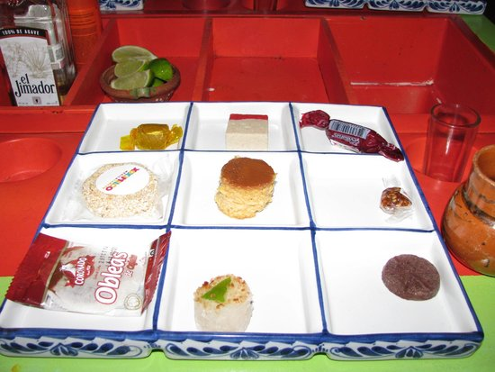 Xoximilco Cancún: Sample sweets