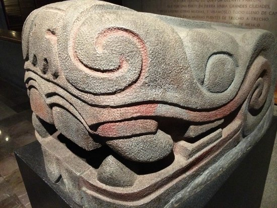 Museo del Templo Mayor: Snake head (in the museum)