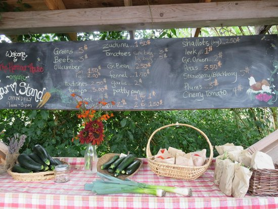 Harbour House Hotel: Farm Stand with organic farm produce
