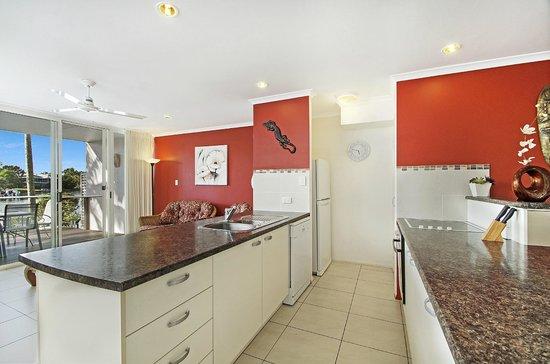 Portside Noosa Waters Resort: 3 Bedroom Townhouse Kitchen