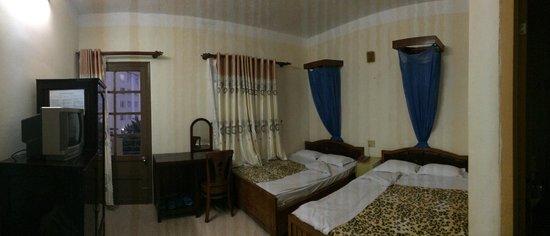 Peace Hotel (Hoa Binh) : Вид номера