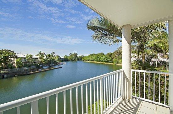 Portside Noosa Waters Resort: Townhouse Main Bedroom Balcony View