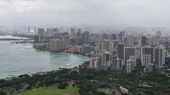 Diamond Head (Cabeza de Diamante): Vista hacia Waikiki beach