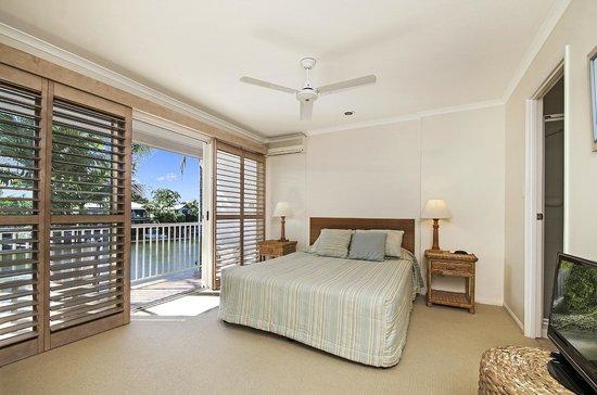 Portside Noosa Waters Resort: 1/2 Bedroom Townhouse Main Bedroom