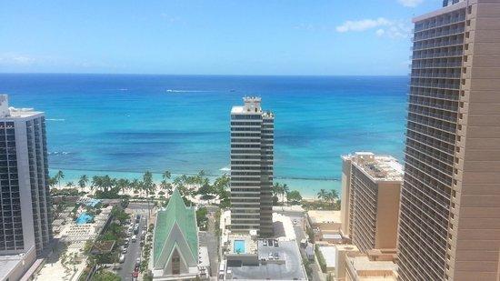 Hilton Waikiki Beach: beach