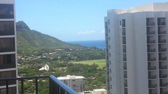 Hilton Waikiki Beach: towards Diamond Head